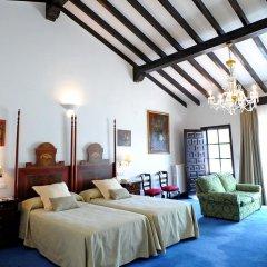 Отель San Román de Escalante 4* Улучшенный номер с различными типами кроватей фото 4