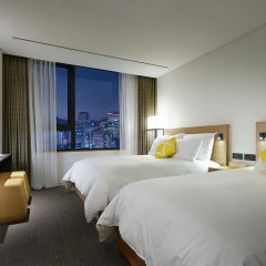 Отель L7 Myeongdong by LOTTE 4* Стандартный номер с различными типами кроватей фото 9