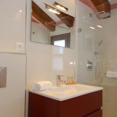 Отель Apartamentos El Palacete de Ainsa ванная