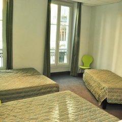 Отель H33 hôtel 2* Стандартный семейный номер с двуспальной кроватью