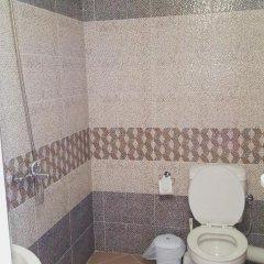 Отель Guest House Bogat-Beden Болгария, Равда - отзывы, цены и фото номеров - забронировать отель Guest House Bogat-Beden онлайн ванная