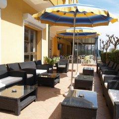 Hotel San Marino Риччоне бассейн