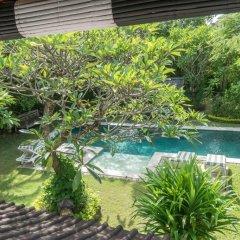Отель Villa Om Bali бассейн