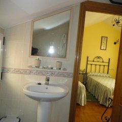 Отель Casa Os Batans Камариньяс ванная