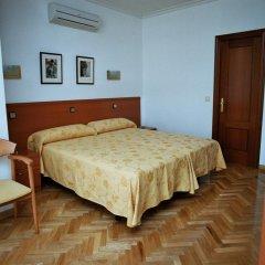 Отель Hostal Luis XV Стандартный номер с двуспальной кроватью фото 6
