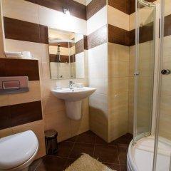 Отель Sinabovite Houses Болгария, Боженци - отзывы, цены и фото номеров - забронировать отель Sinabovite Houses онлайн ванная фото 2
