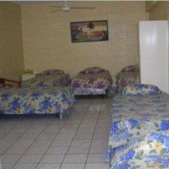 Grand Melanesian Hotel 2* Кровать в общем номере с двухъярусной кроватью фото 3