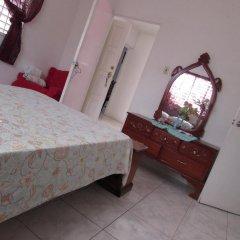 Отель Tina's Guest House 2* Стандартный номер с различными типами кроватей фото 11