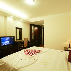 Hue Serene Shining Hotel & Spa 3* Номер Делюкс с различными типами кроватей фото 2