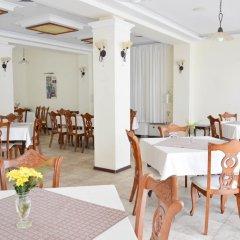 Отель Bellevue Hotel Болгария, Золотые пески - 5 отзывов об отеле, цены и фото номеров - забронировать отель Bellevue Hotel онлайн питание фото 2