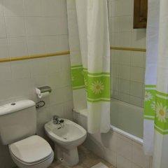 Отель Viviendas Rurales Traldega Камалено ванная