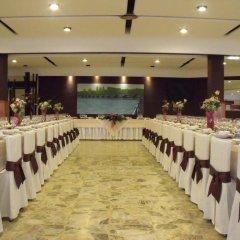 Отель Hostal Salones Victoria