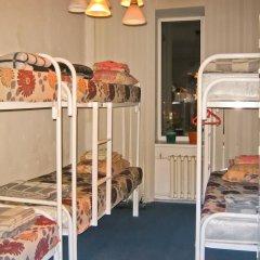 Хостел Достоевский Кровать в общем номере с двухъярусной кроватью фото 15