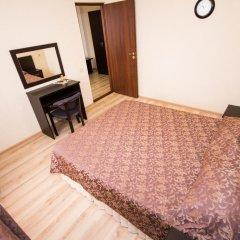 Гостиница Робинзон 2* Стандартный семейный номер с двуспальной кроватью