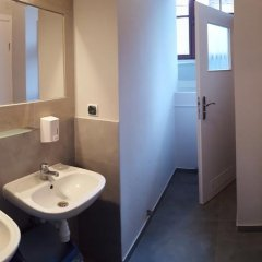 Hostel Universus i Apartament Кровать в общем номере с двухъярусной кроватью фото 16