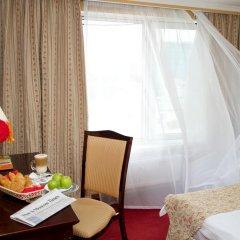 Гостиница Мандарин Москва 4* Улучшенный номер с двуспальной кроватью фото 2