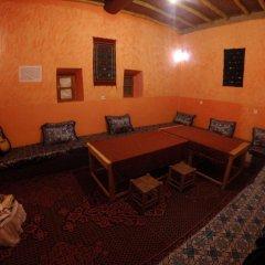 Отель Chez Les Habitants Марокко, Мерзуга - отзывы, цены и фото номеров - забронировать отель Chez Les Habitants онлайн интерьер отеля