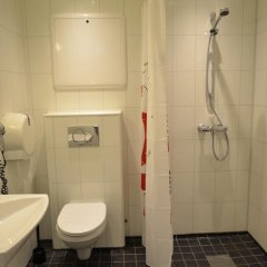 Отель Bergen Budget Hostel Норвегия, Берген - отзывы, цены и фото номеров - забронировать отель Bergen Budget Hostel онлайн ванная