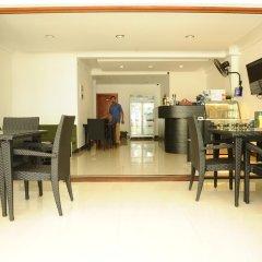 Отель Eve Beach House Мальдивы, Северный атолл Мале - отзывы, цены и фото номеров - забронировать отель Eve Beach House онлайн питание