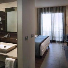 Yes Hotel Touring 4* Улучшенный номер с двуспальной кроватью фото 2