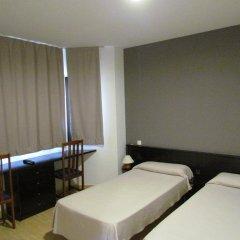 Отель Hostal Julian Brunete Брунете комната для гостей фото 3