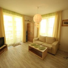 Отель Menada Sea Isle Apartments Болгария, Солнечный берег - отзывы, цены и фото номеров - забронировать отель Menada Sea Isle Apartments онлайн комната для гостей