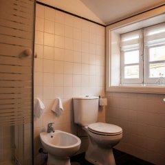 Отель Oporto Downtown ванная фото 2