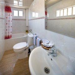 Отель Hostal Barcelona Стандартный номер с различными типами кроватей фото 18