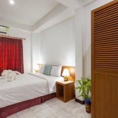 Отель Karon Sunshine Guesthouse & Bar 3* Стандартный номер с различными типами кроватей фото 8