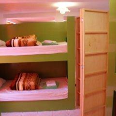 Отель Hostal Nova House 5* Кровать в общем номере фото 2
