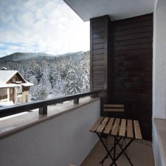 Отель Ski-in Ski-out Borovets Болгария, Боровец - отзывы, цены и фото номеров - забронировать отель Ski-in Ski-out Borovets онлайн балкон