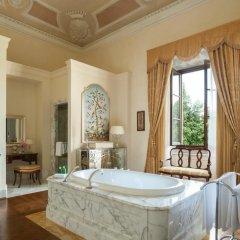 Four Seasons Hotel Firenze 5* Люкс с различными типами кроватей фото 13