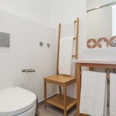 Отель Lisbon Old Town Guest House 3* Люкс с различными типами кроватей фото 32