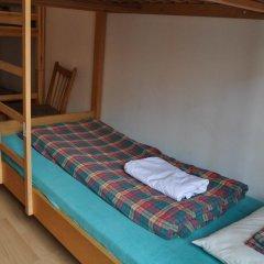 Отель Langstars Backpackers Кровать в общем номере фото 9