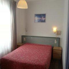 Отель Hôtel Saint-Hubert удобства в номере фото 4