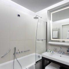 Отель UNAHOTELS Cusani Milano 4* Люкс с различными типами кроватей фото 7
