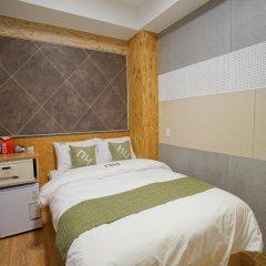 Отель D.H Sinchon Guesthouse 2* Стандартный номер с различными типами кроватей фото 9