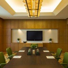 Отель Four Points by Sheraton Sheikh Zayed Road, Dubai