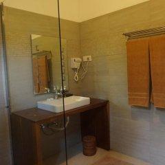 Отель Thaproban Beach House 3* Улучшенный номер с двуспальной кроватью фото 12