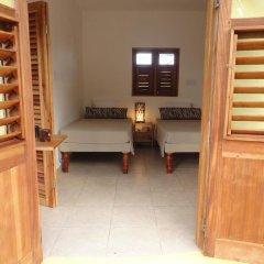 Отель Kudehya Guesthouse Ямайка, Треже-Бич - отзывы, цены и фото номеров - забронировать отель Kudehya Guesthouse онлайн комната для гостей фото 3