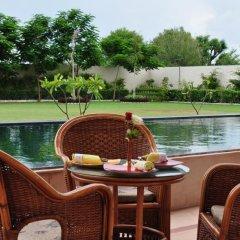 Hotel Jaipur Greens бассейн фото 2