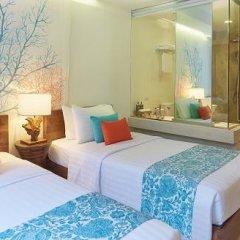 Отель Bandara Phuket Beach Resort 4* Улучшенный номер с двуспальной кроватью фото 8