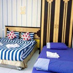 Отель B & L Guesthouse 3* Стандартный семейный номер с разными типами кроватей фото 8
