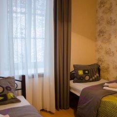 Хостел Trinity & Tours Стандартный номер с 2 отдельными кроватями фото 3