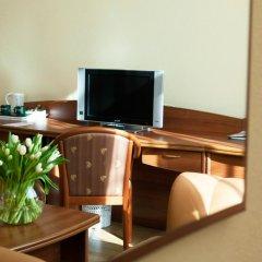 Гостиница Максима Заря 3* Семейный номер двуспальная кровать фото 7