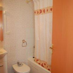 Отель Monaco 3017 Испания, Курорт Росес - отзывы, цены и фото номеров - забронировать отель Monaco 3017 онлайн ванная