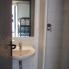Ideal Youth Hostel Кровать в общем номере с двухъярусной кроватью фото 9