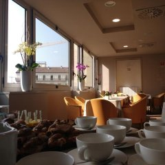Отель IH Hotels Milano Ambasciatori питание фото 2