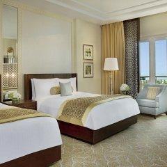 Отель The Ritz-Carlton, Dubai Стандартный номер с различными типами кроватей фото 6