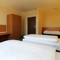 Comfort Hotel Lichtenberg 3* Стандартный семейный номер с различными типами кроватей фото 3